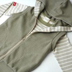アームホールと裾を共布で縫製・サンプル画像