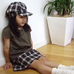 ガーリッシュスカートとスイートTシャツとのコーディネイト例