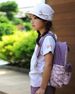 帽子 型紙 大人 モデル着用